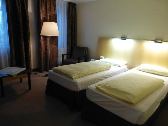 Hotelisssimo Haberstock: Our room