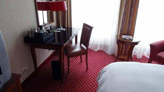 Renaissance Hamburg Hotel: Zimmer