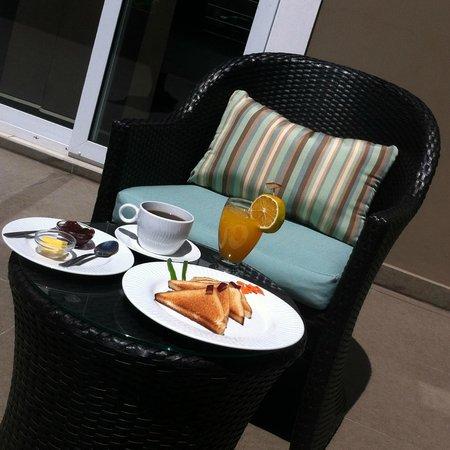 Terra Bella Hotel Boutique: Terrace Dining