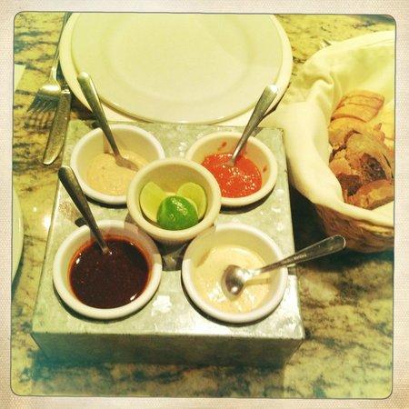 El Taller Baja Med Cocina: Salsas at El Taller