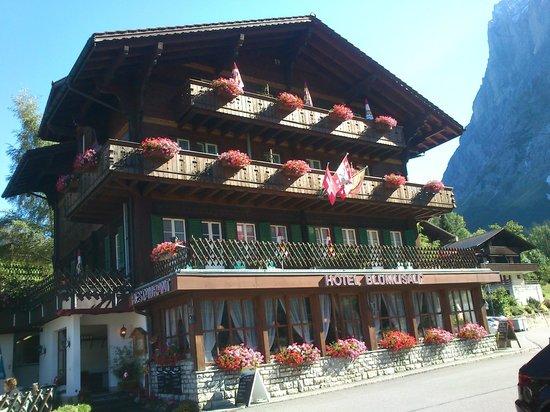 Hotel Blumlisalp: Front of Hotel