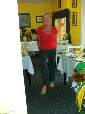 Mystical Rose Bed and Breakfast: Noreen zeigt Irisch Dance