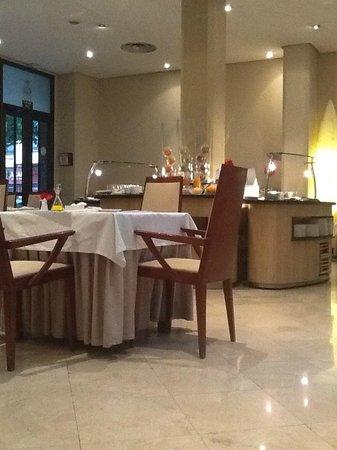 Hesperia Zaragoza: Sala colazioni