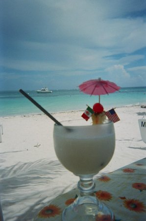 Cancun Mermaid - One Day Tour : Had a pina colada on the beach served from the restaurant a few fee away