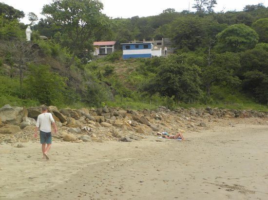 Casa Surfistas Nica: View of Casa Surfistasnica from Remanso Beach
