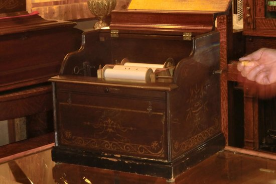 Music House Museum: An antique music box