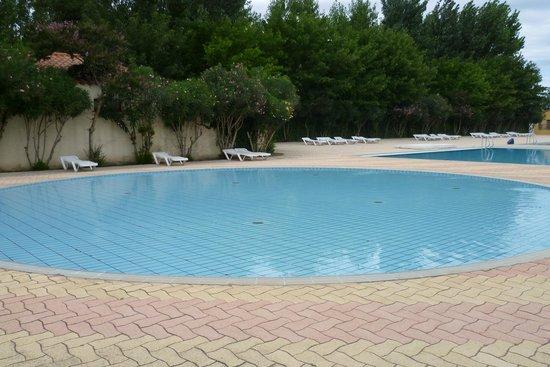 Camping Le Dauphin : petite piscine
