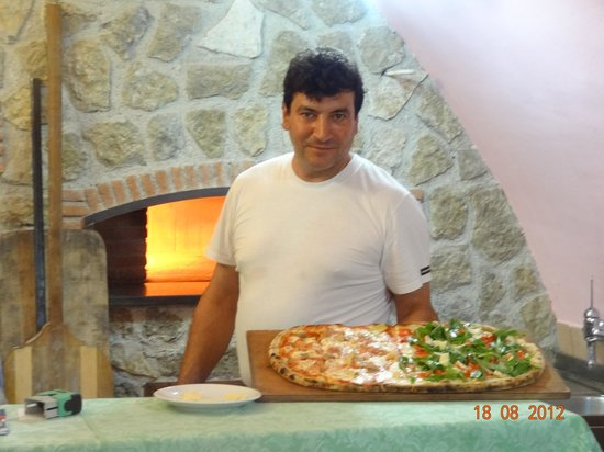 Hotel Novella Holiday's: sa pizza