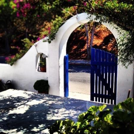 Nostos Studios: patio
