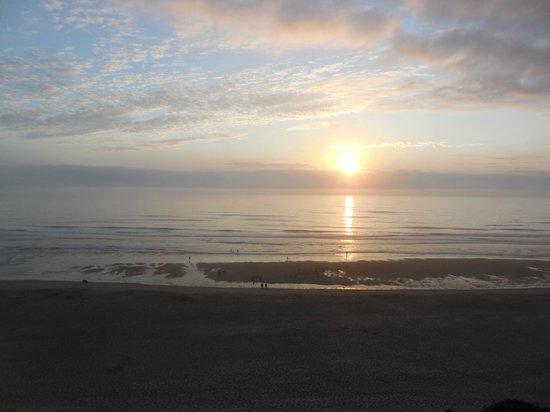 Nordic Oceanfront Inn: Sunset from Nordic
