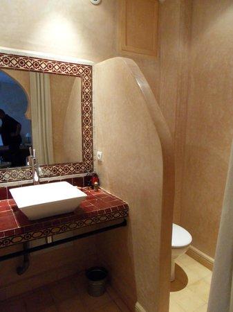 Riad Alnadine: Salle de bain en Tadelakt