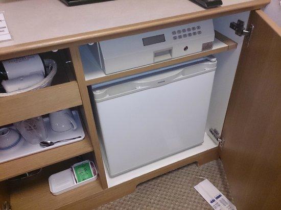 Forest Hongo: 冷蔵庫も勿論あります