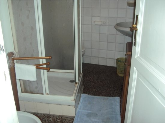 La Vela Hotel: box doccia