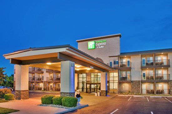 Holiday Inn Express Hotel & Suites Branson 76 Central Photo