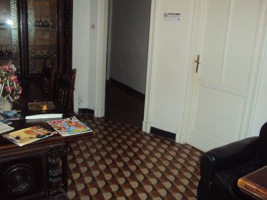 La Vela Hotel: salottino/ingresso camere