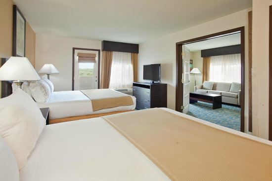 2 Room Family Suite Picture Of Holiday Inn Express