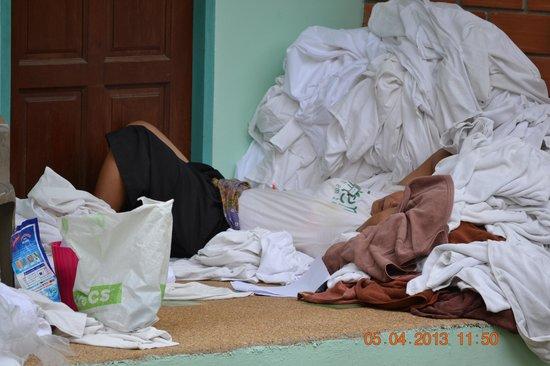 Baantonsai Garden Resort: Her sover rengøringsdamen middagslur
