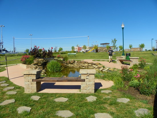 Cunningham Park: Children's Memorial Pond