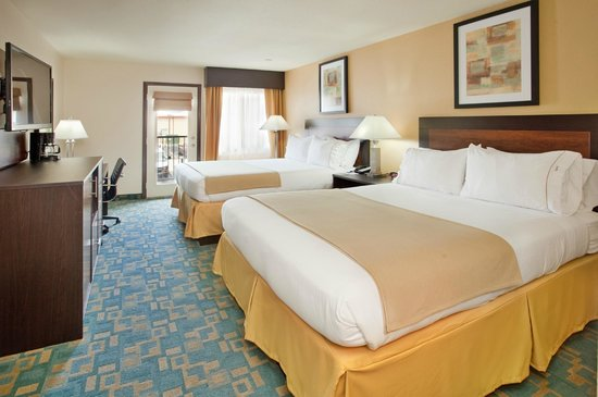 Holiday Inn Express Hotel & Suites Branson 76 Central: Standard Double Queen room