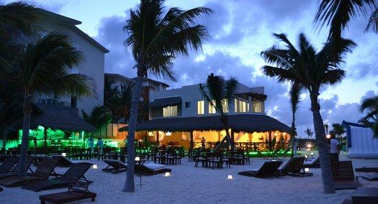 Arenika Beach Club & Restaurant