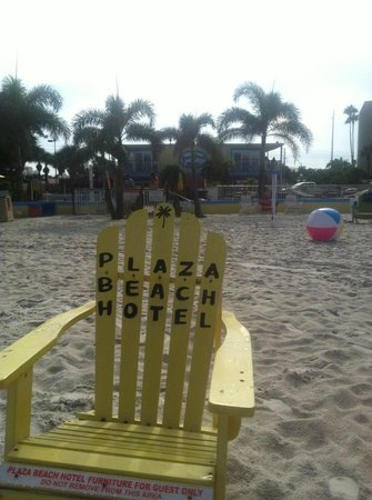 Bayview Plaza Waterfront Resort: Private Beach Area of Resort- colorful beach chairs!