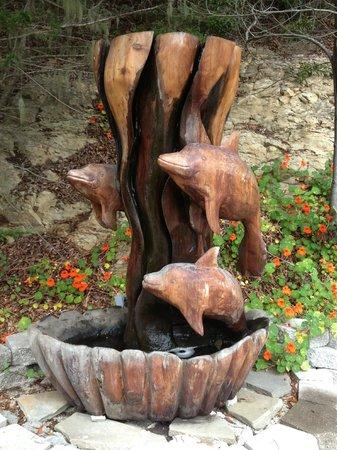 The Wharf Master's Inn : Sculpture in  Courtyard