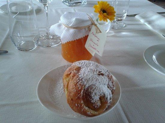 Manerba del Garda, อิตาลี: torta di rose