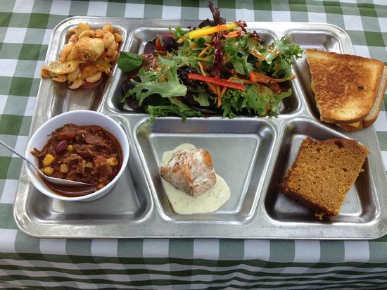 Migis Lodge: Delicious picnic lunch!