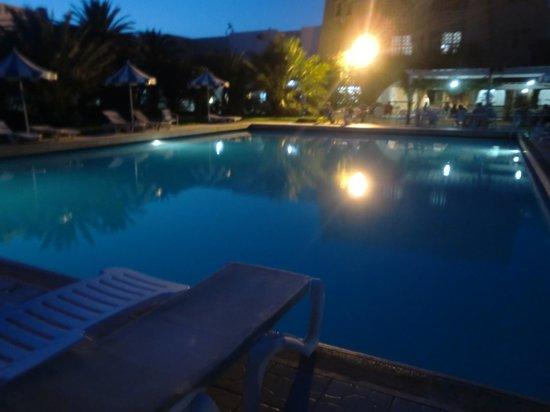 Mehari Douz: Pool