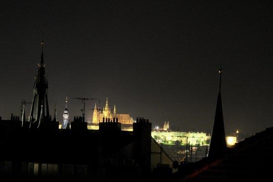Novotel Praha Wenceslas Square: Обзорная терраса ночью