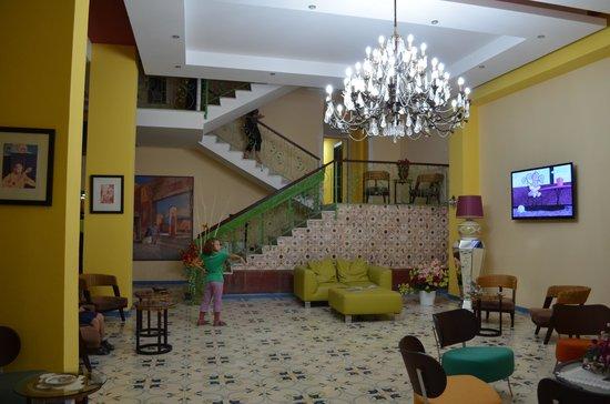 Hotel del Sole: Nice reception area.