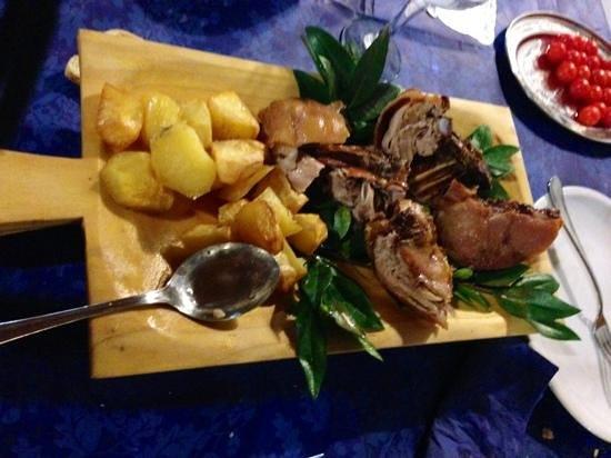 Agriturismo il Mirto : porcetto e patate