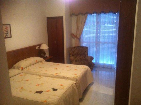 Hotel Xaneiro Melide: Habitacion