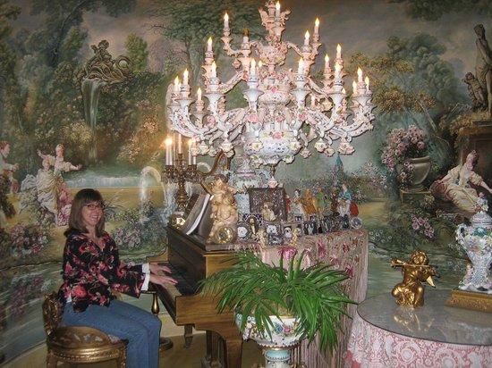 Havencrest Castle: Fragonard Music room