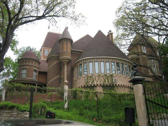 Havencrest Castle: Castle exterior