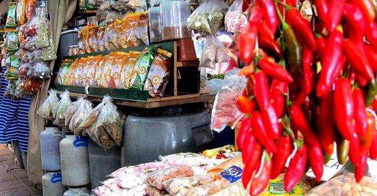 City Tailors: In Mercado do Bolhao