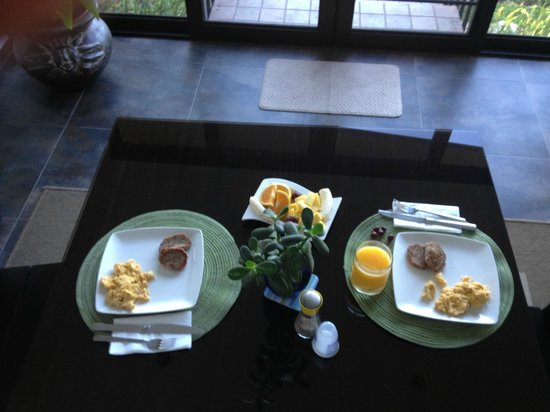 The Guest Suites at Manana Madera Coffee Estate: Breakfast