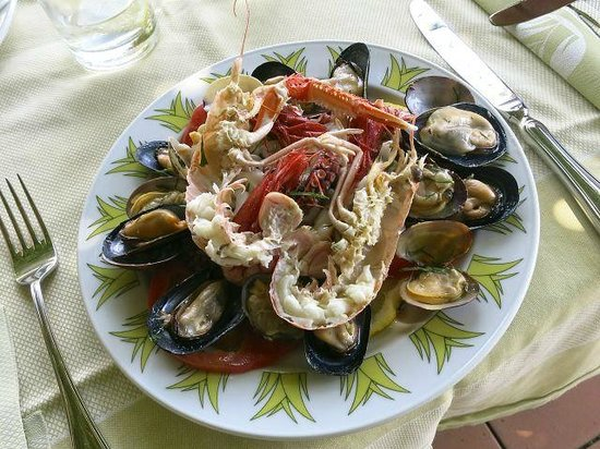 Le Agavi Hotel: A nice seafood lunch plate.