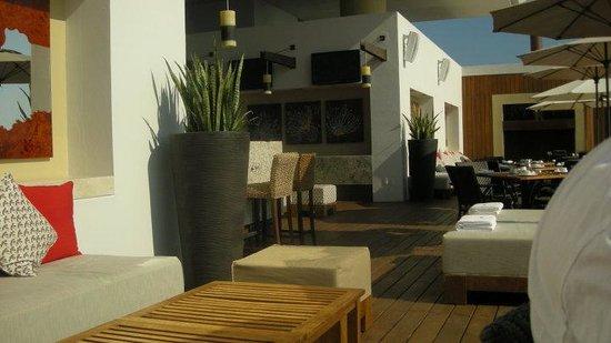 Marival Residences Luxury Resort: 6th floor rooftop bar