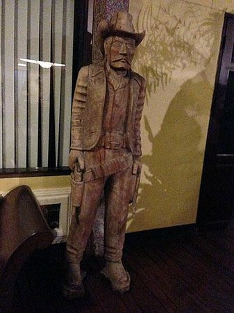 Eurana Boutique Hotel: Tex Standing Guard in the Lobby