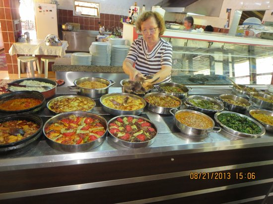 Bizim Ev Hanimeli Restaurant: Delicious Turkish Buffet