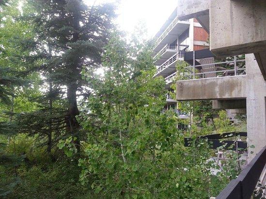 Lodge at Snowbird: Private balconies