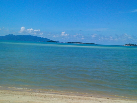 Replay Residence and Pool Villa : Sand bar in Bangrak when low tide