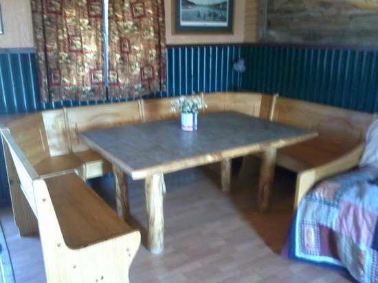 Mountain Lakes Lodge : Large Eating Area