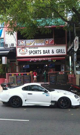 Front Page Sports Bar & Grill