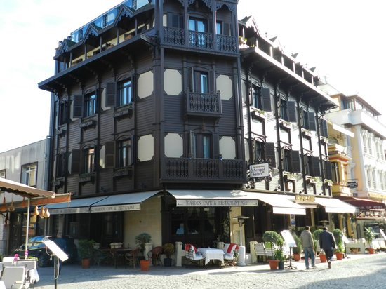 GLK PREMIER Acropol Suites & Spa: Hotel Exterior