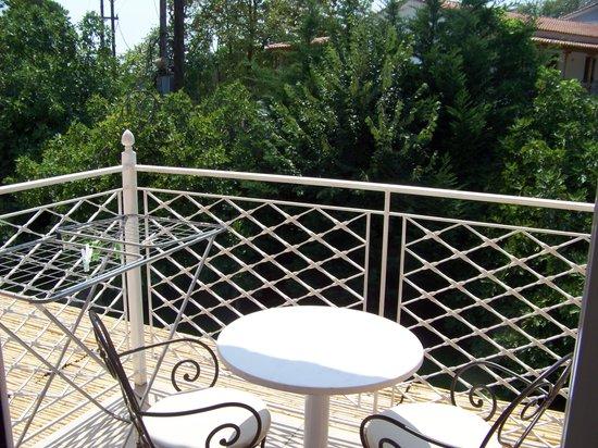 Mandraki Village Boutique Hotel : terraza