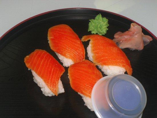 Sushi North: 北極イワナの握り