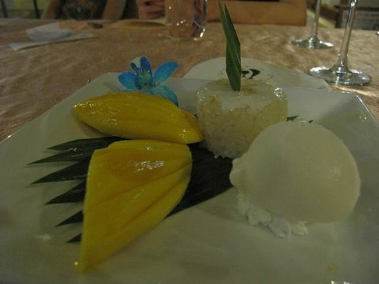 The Boathouse Restaurant : Mango Sticky Rice