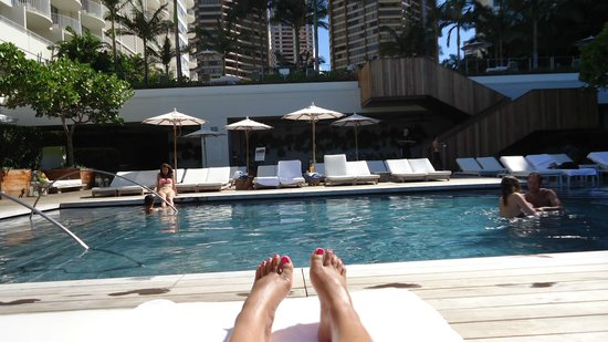 The Modern Honolulu: Poolside view